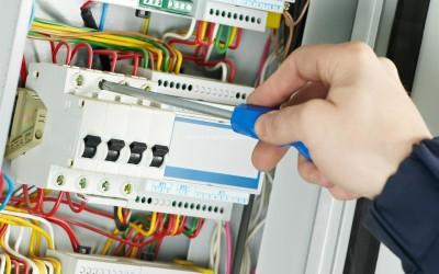 Seguridad En Instalaciones Eléctricas Riesgos Por Malas Practicas