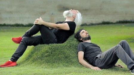 Cultiva-tus-propios-muebles-ecologicos-y-luego-toma-el-sol-en-ellos_large